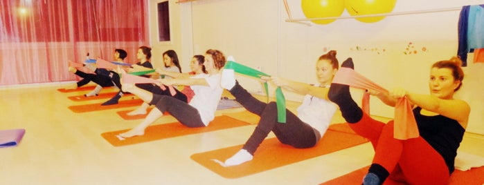 Fly Pilates & Personal Training  Studio is one of Melis 님이 저장한 장소.