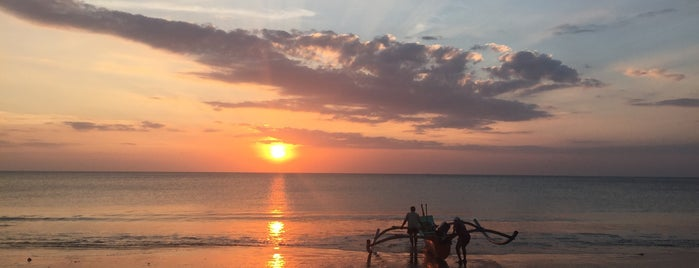 Jimbaran Beach (Pantai Kedonganan) is one of Orte, die Ksenia gefallen.