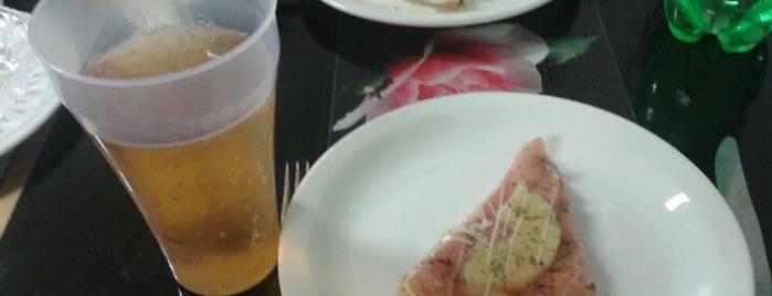 Pizzería La Tentación is one of Buenos Aires sin gluten.