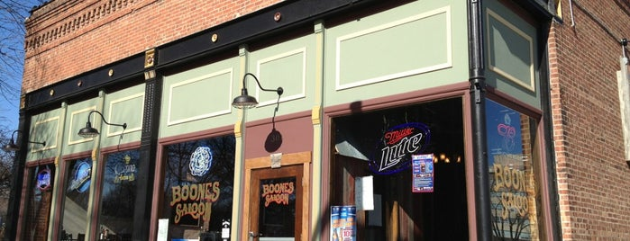 Boone's Saloon is one of Springfield.