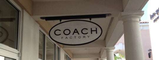 COACH Outlet is one of Orte, die Annette gefallen.