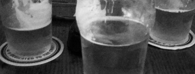 Ye Olde Bull & Bush is one of Best Happy Hour Spots-Ft Worth.