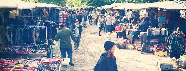 Flohmarkt am Mauerpark is one of Berlin Moderna.