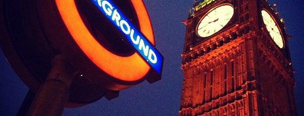 Elizabeth Tower (Big Ben) is one of Lugares donde estuve en el exterior.