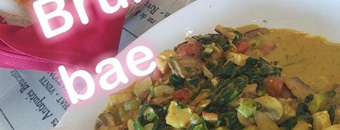 Lulu's Cafe is one of Lieux sauvegardés par Erin.