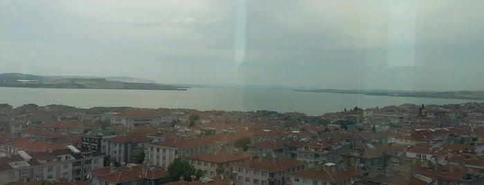 Atirus Is Merkezi is one of สถานที่ที่ 🦂FEMALE BOSS🦂 ถูกใจ.