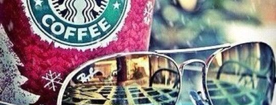 Starbucks is one of Lugares favoritos de Anna.