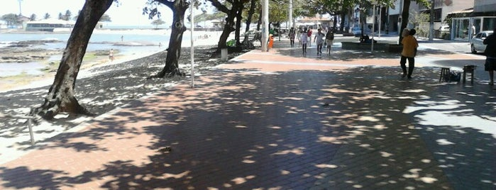 Calçadão da Praia das Castanheiras is one of Guarapari.