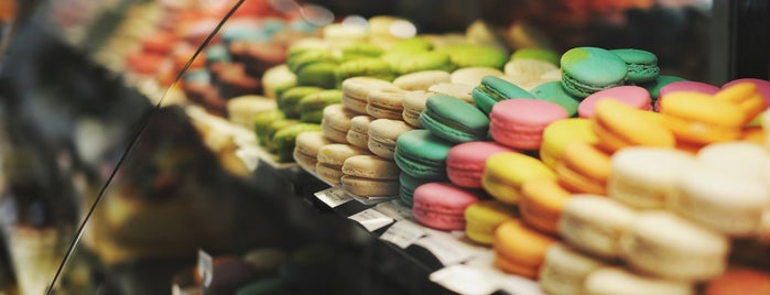 Bon Epi Patisserie Cafe is one of macaroons.