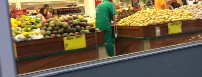 Supermarket is one of Supermercados Parte 2.