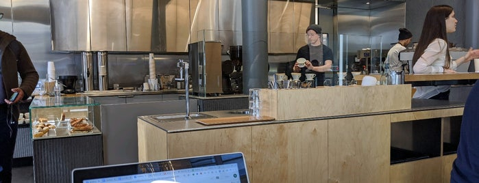 Blue Bottle Coffee is one of Tom'un Beğendiği Mekanlar.