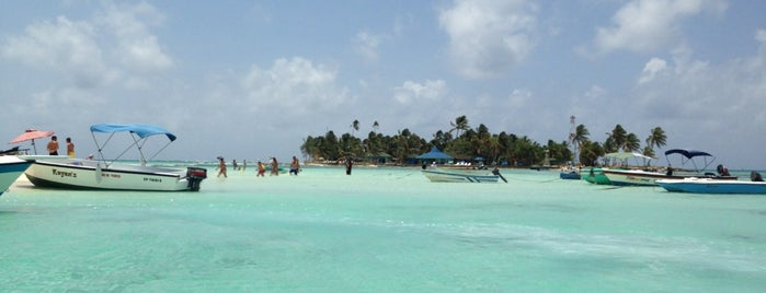 Rocky Cay is one of San Andrés.