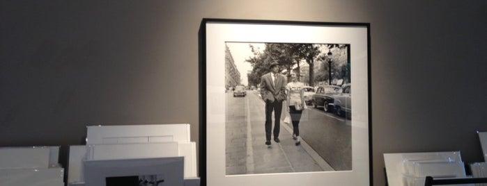 Richard Heller Gallery is one of Posti che sono piaciuti a Charles.