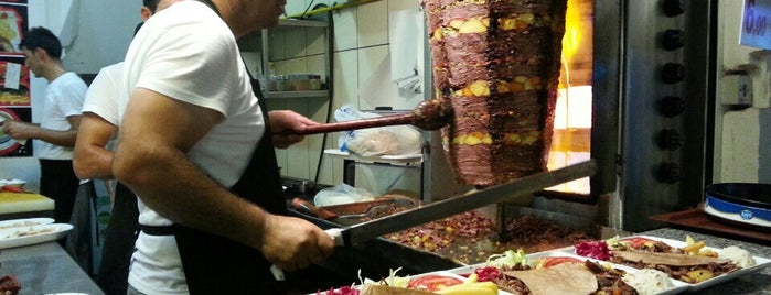 Şirin Sebzeli Döner is one of Locais curtidos por Selin.