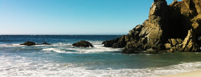 Pfeiffer Beach State Park in Big Sur is one of Lugares favoritos de Jason.