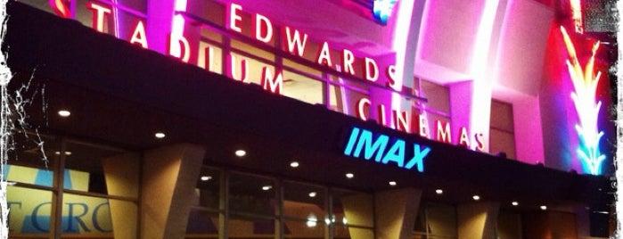 Regal Edwards Alhambra Renaissance & IMAX is one of สถานที่ที่ Darryl ถูกใจ.