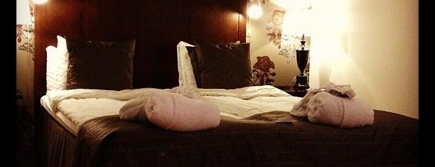 Radisson Blu Royal Park Hotel is one of Locais curtidos por Martins.