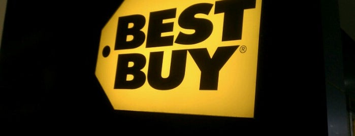 Best Buy is one of Locais curtidos por Christopher.