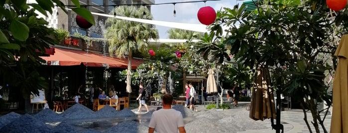 Fish & Co. is one of Lugares favoritos de Remy Irwan.