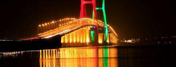 Jembatan Suramadu is one of Characteristic of Surabaya.
