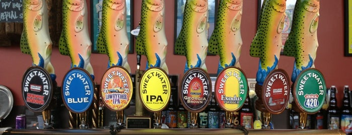 SweetWater Brewing Company is one of Lugares favoritos de Guha.