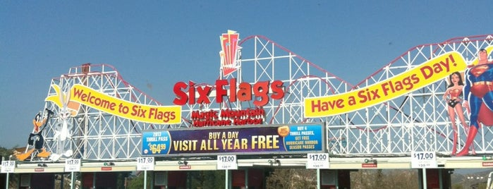 Six Flags Sign is one of LA,CA.