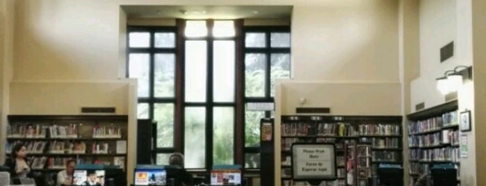 Los Angeles Public Library - Arroyo Seco Regional is one of Brandonさんのお気に入りスポット.