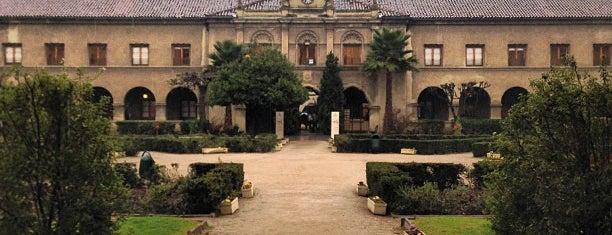 Facultad Medicina is one of Posti che sono piaciuti a Estela.