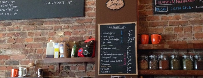 Café Grumpy is one of NYC: Fast Eats & Drinks, Food Shops, Cafés.