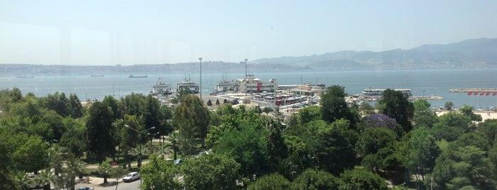 İzmir Hakimevi is one of İzmir 🌼.