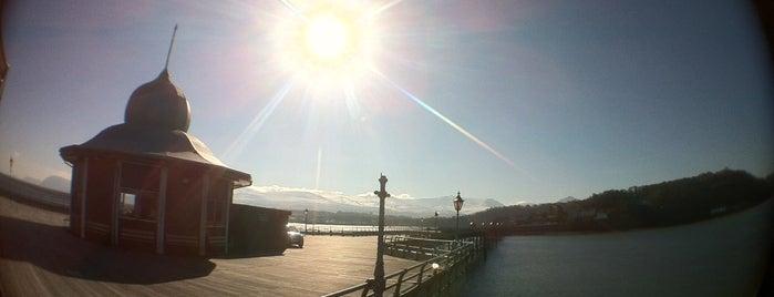 Bangor Garth Pier is one of Carl'ın Beğendiği Mekanlar.