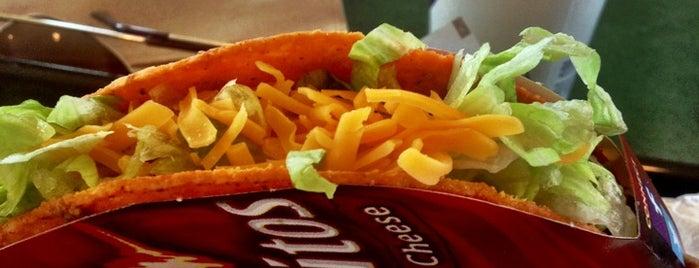 Taco Bell is one of Locais curtidos por Shreyas.