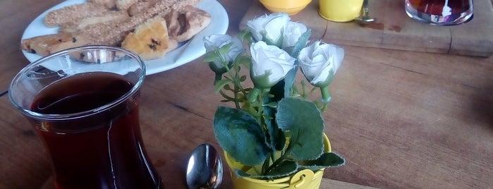 Hamur House Cafe & Bistro is one of Tülay .................. 님이 좋아한 장소.