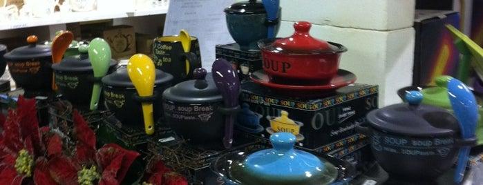 Henry Watson's Suffolk Potteries is one of Posti che sono piaciuti a Sheryl.