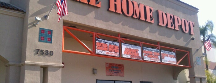 The Home Depot is one of Lieux qui ont plu à Bryan.