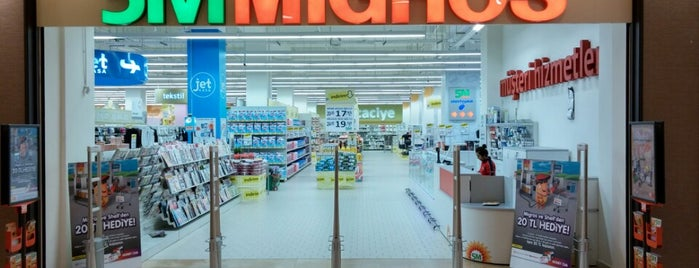 5M Migros is one of Locais curtidos por Serhad.
