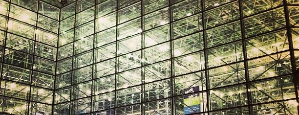 Jacob Javits North Pavilion is one of Lugares favoritos de IrmaZandl.