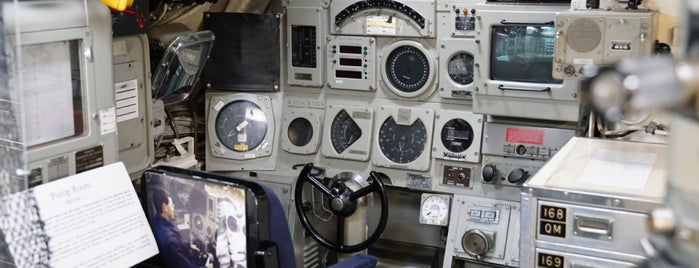 USS Dolphin is one of Posti che sono piaciuti a $$$hawna.