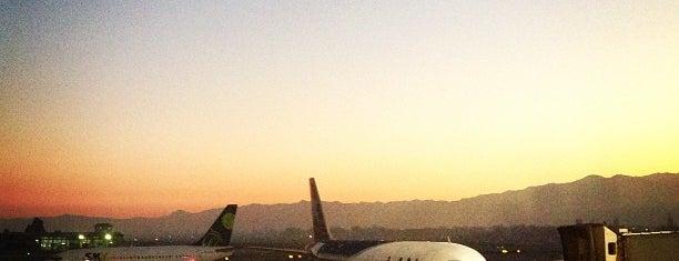 Aeropuerto Internacional Comodoro Arturo Merino Benítez (SCL) is one of #SantiagoTrip.