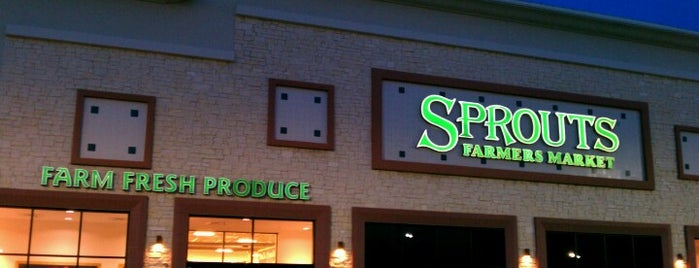 Sprouts Farmers Market is one of Brettさんのお気に入りスポット.