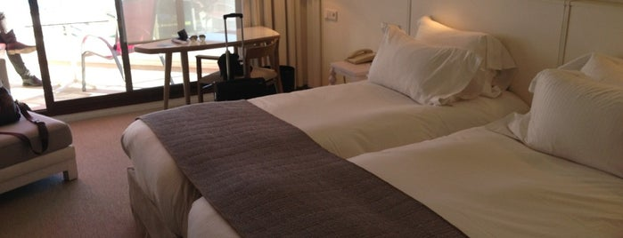Hotel Pullman Cannes Mandelieu Royal Casino is one of Locais curtidos por A013.