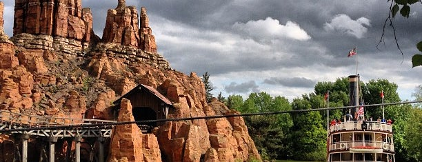 Frontierland® is one of Lugares favoritos de Nathalie.