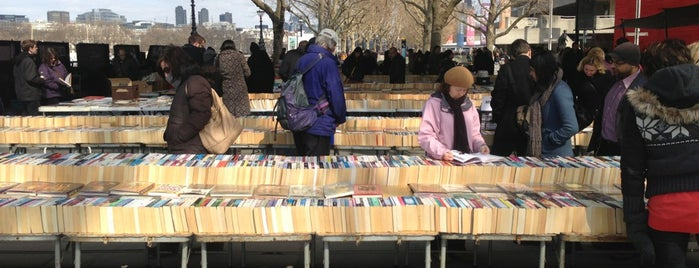 South Bank Book Market is one of London.