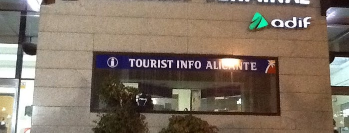 Estació d'Alacant Terminal is one of Posti che sono piaciuti a María.