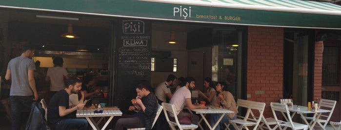 Pişi Breakfast & Burger is one of Locais salvos de Merve.
