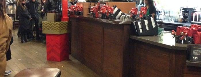 Starbucks is one of สถานที่ที่ Buck ถูกใจ.