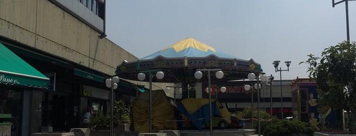 Carrefour Market is one of Tempat yang Disukai Alper.