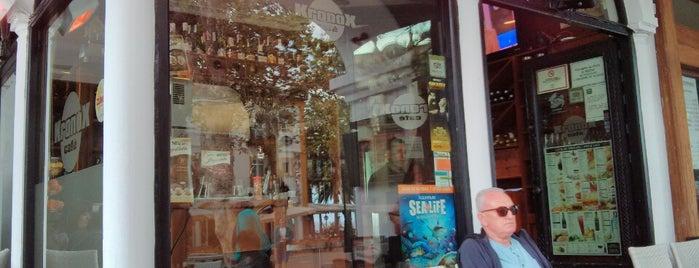 Kronox Cafetería is one of สถานที่ที่ Marianne ถูกใจ.
