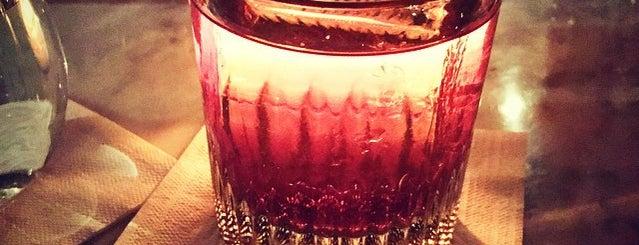 Loosie Rouge is one of Bebidas & Comidas in the Burg.