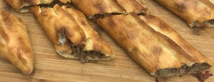 Kar-Pi Karadeniz Pide Salonu is one of Lugares favoritos de Aysegul.